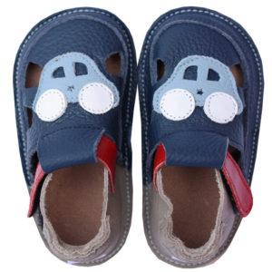Tikki-Shoes-Holiday car_01